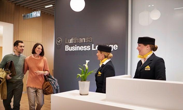 Lufthansa casestuday at aroma co ltd for Aroma frankfurt